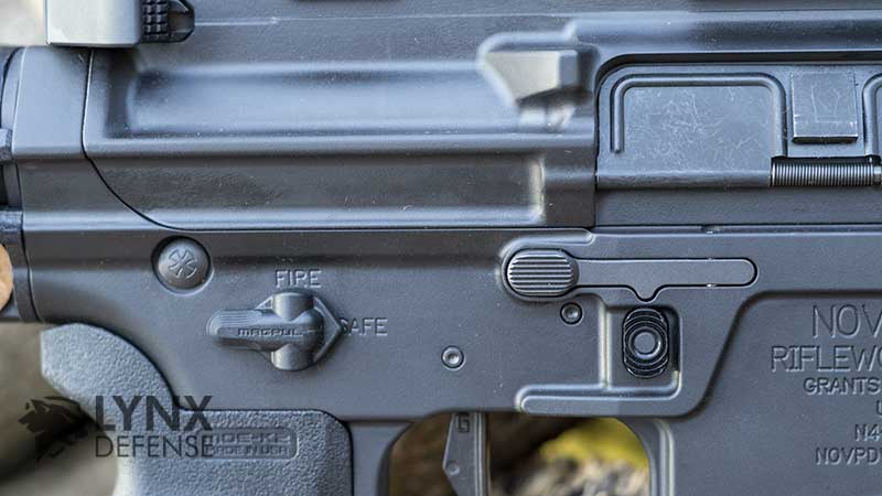 This image has an empty alt attribute; its file name is noveske-controls-right.jpg